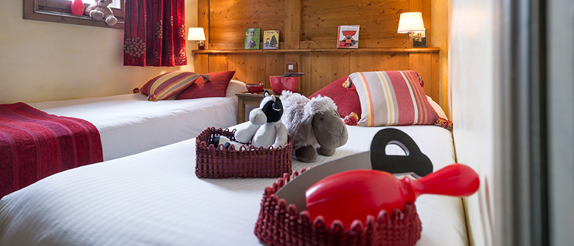 france_espace-killy-ski-area_tignes_village-montana-apartments_twin_bedroom.jpg